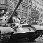 czołgi Układu Warszawskiego na ulicach Pragi, 1968