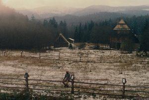 Widok z okien ostatnich zabudowa na grzbiet Bukowego Berda - 1990 rok